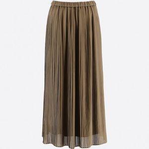 Uniqlo chiffon pleated midi skirt